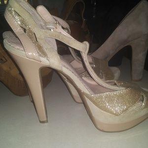 Jessica Simpson gold and tan metallic heels
